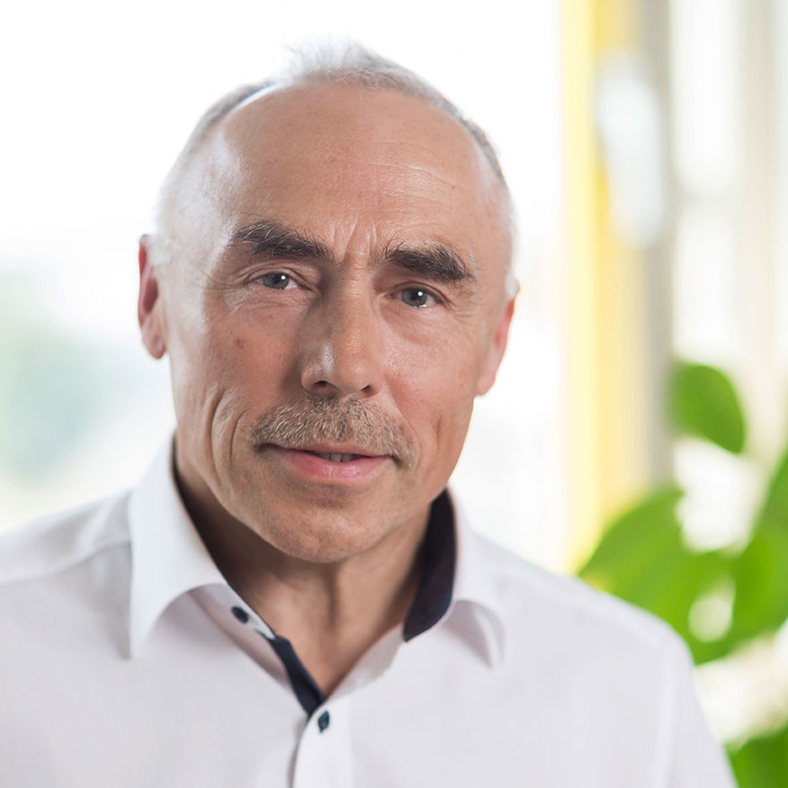 Frank Riedel